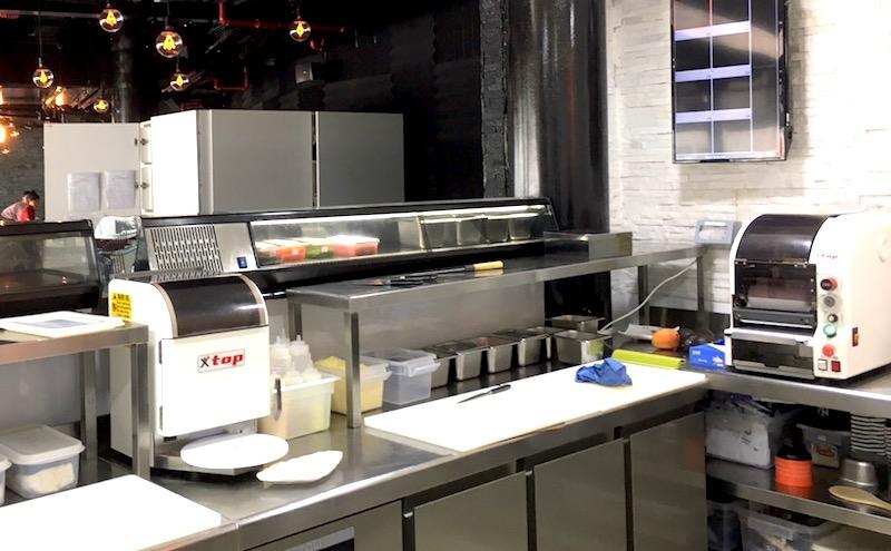 Maison de Sushi kitchen